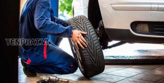 Cách vá lốp không săm ô tô đơn giản trong trường hợp khẩn cấp