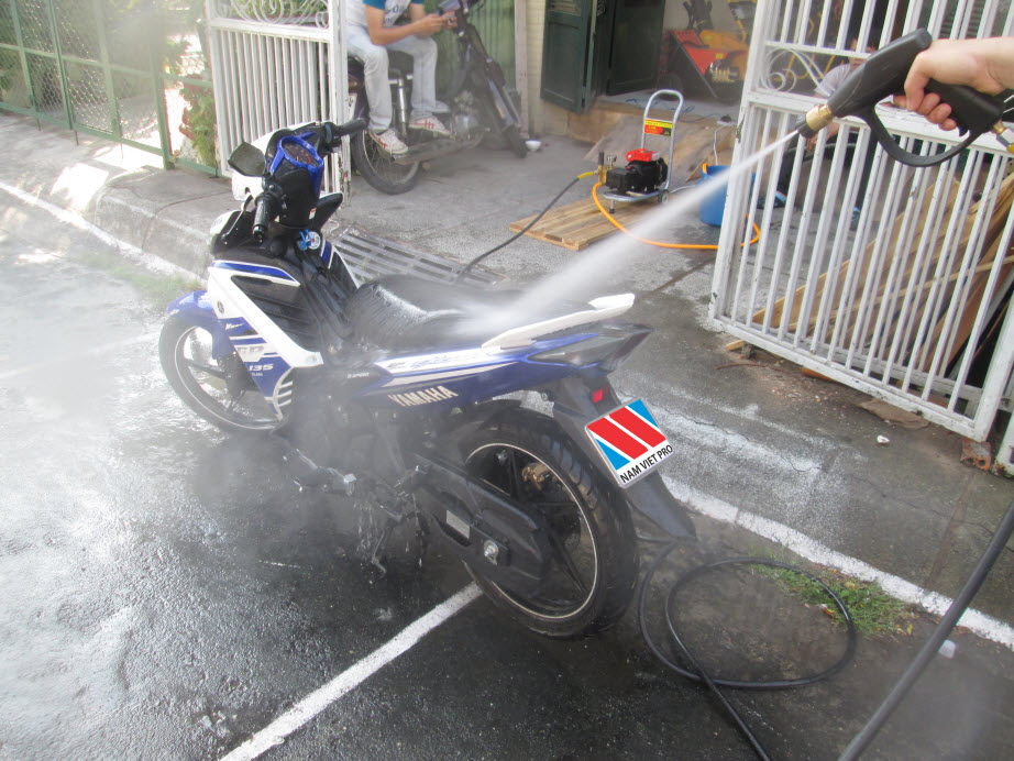 Chia sẻ các rửa xe tại nhà hiệu quả - 218500