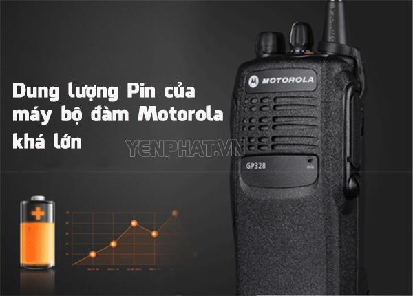"""Lượng Pin """"khủng"""" cũng là một lợi thế không nhỏ cho máy bộ đàm Motorola"""