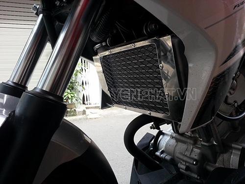 Két nước làm mát bị tắc nghẽn sẽ dễ khiến xe máy bị nóng máy