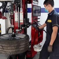 Những điều cần bỏ túi khi chọn mua máy ra vào lốp xe con